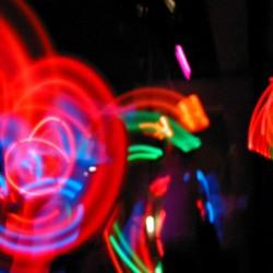 mister-david-spettacolo-light-aerial-giocoliere-luci-discoteca